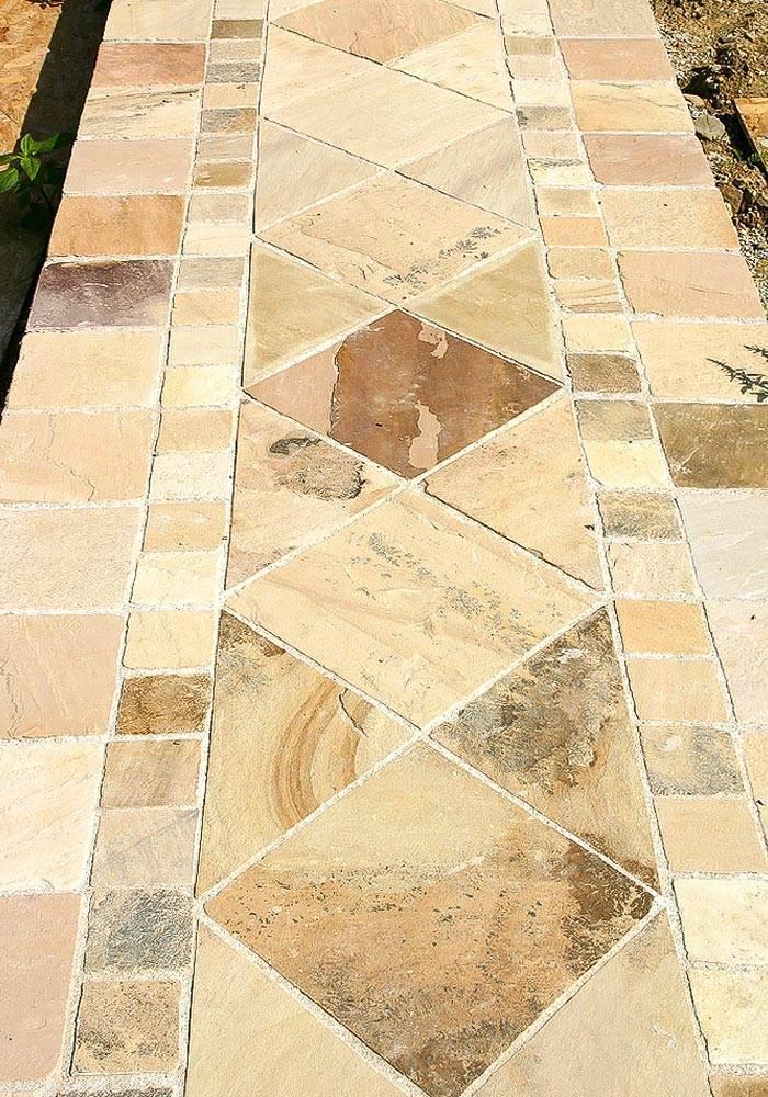 Steinplatten aus Sandstein für Wege und Pfade