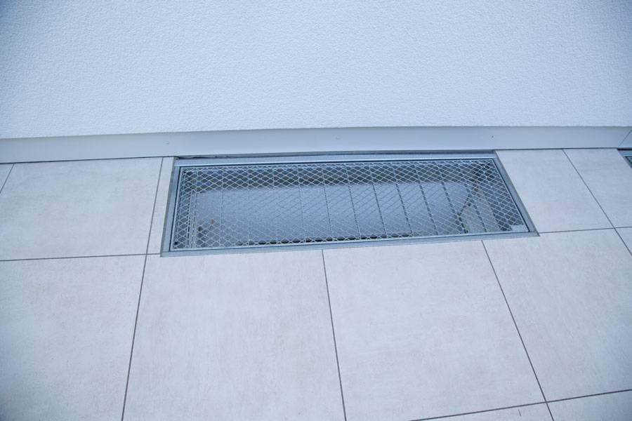 Kellerfenster UMfassung aus Feinsteinzeug